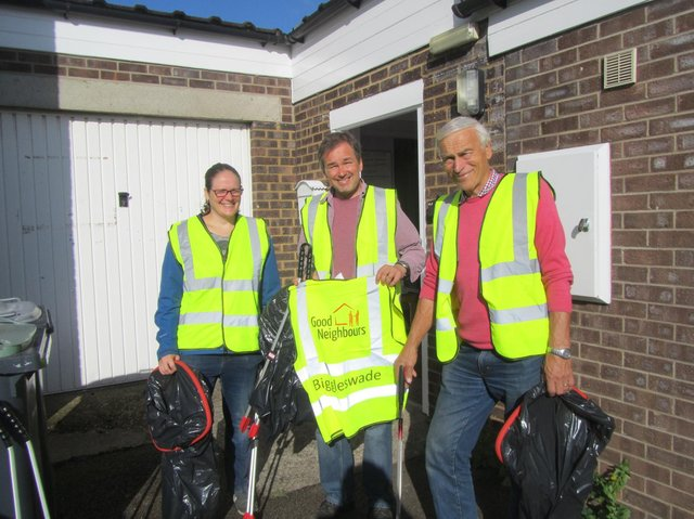 Biggleswade Good Neighbours out and about litter picking pre-pandemic.  Photo: Biggleswade Good Neighbours.