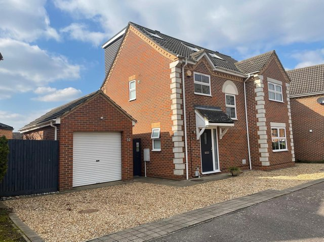 A stunning four double bedroom detached property is situated in a select close of similar homes.